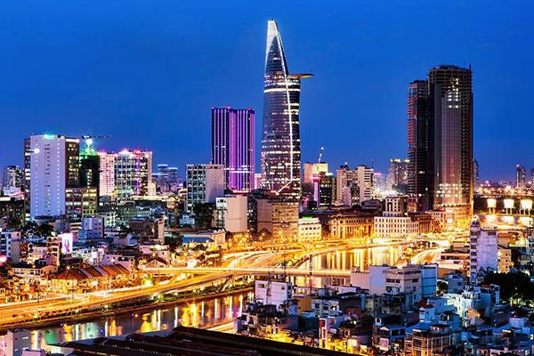 Sài Gòn luôn rực rỡ về đêm
