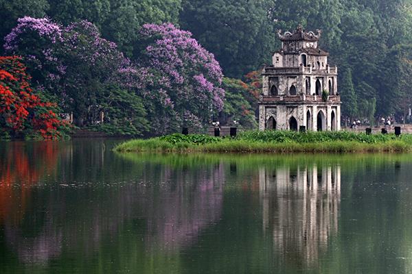 Hồ Hoàn Kiếm thơ mộng