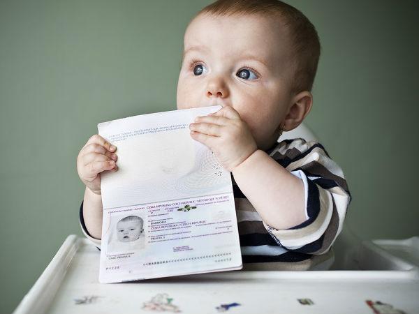 Lần đầu đi máy bay cần giấy tờ gì, chuẩn bị ra sao